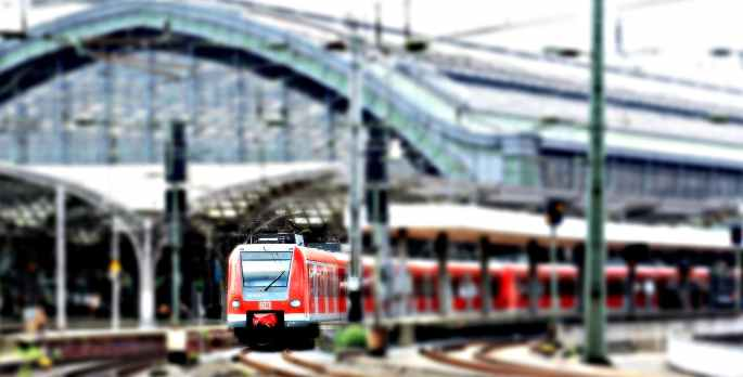 cologne-central-station-railway-station-train-163580.jpeg